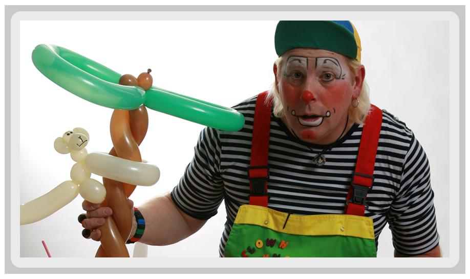 clown met lange neus